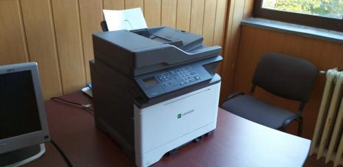 Echipamente IT - imprimantă multifuncțională color de rețea